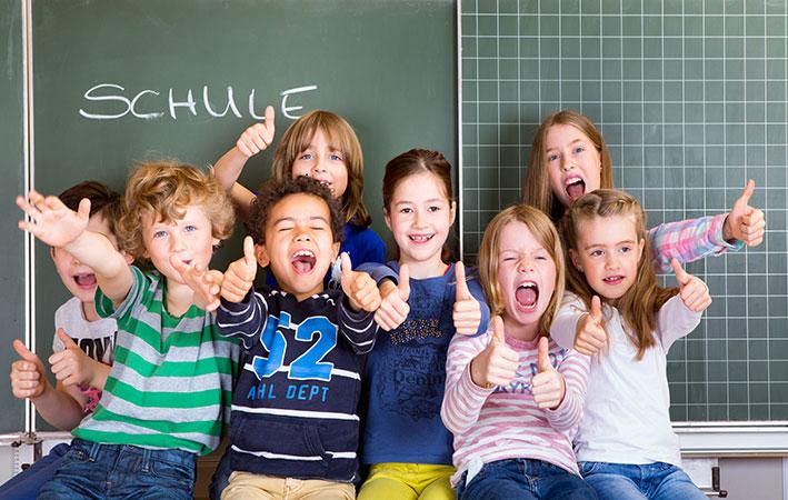 """Neue Studie: """"IVF-Kinder"""" schneiden in der Schule ebenso gut oder sogar besser ab"""